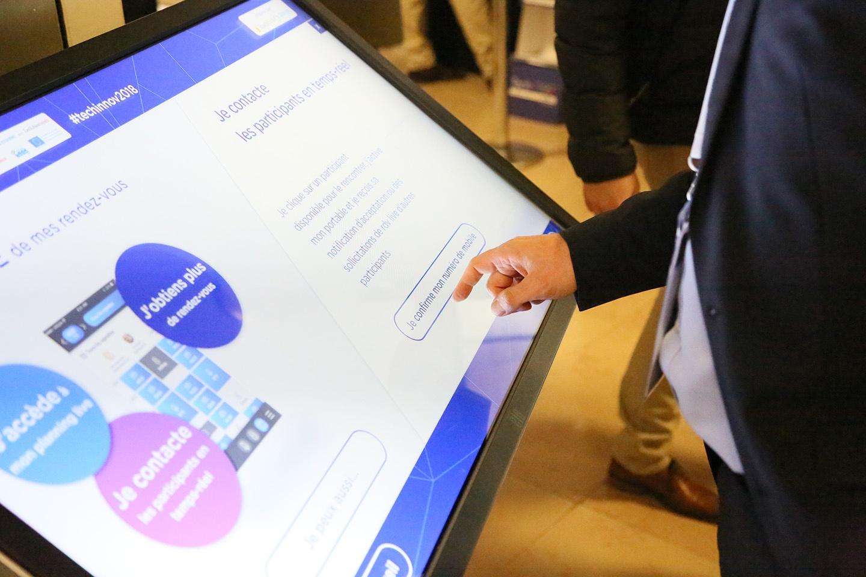 Borne tactile utilisée lors du Techinnov pour orienter et informer les visiteurs